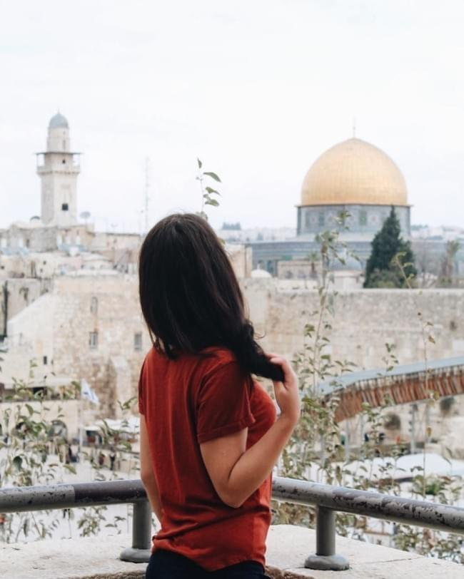Make Money While You Travel: Go Milena!